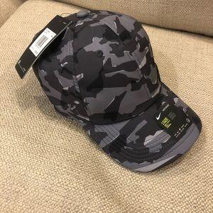 Nike black camouflage hat